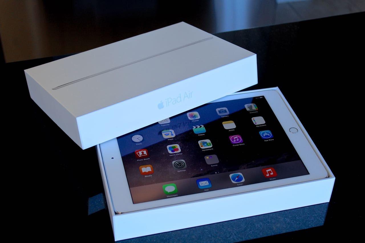 Упаковка с iPad Air 2